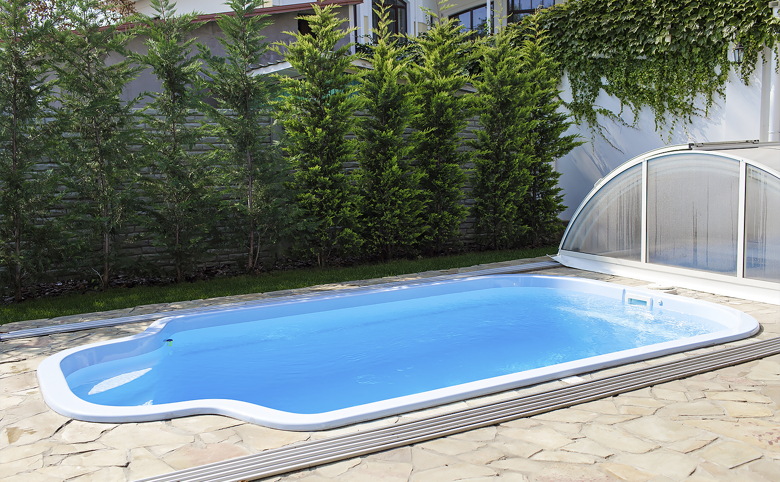 Картинки по запросу Строительство бассейнов в Одессе по доступной цене от интернет-магазина vashbas.com